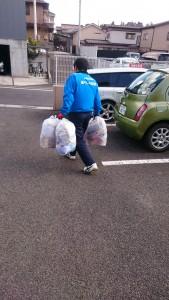 ごみ袋運搬