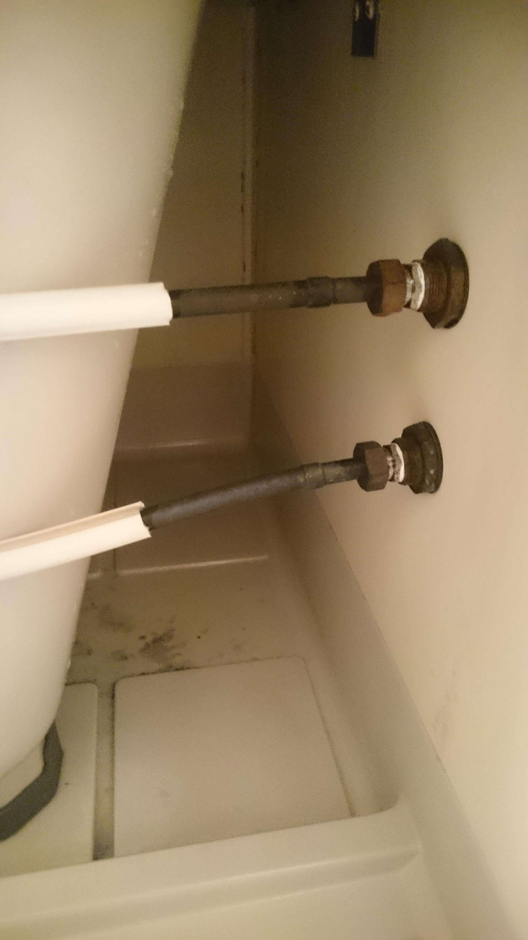 浴槽裏側(エプロン)の汚れやカビ 清掃後