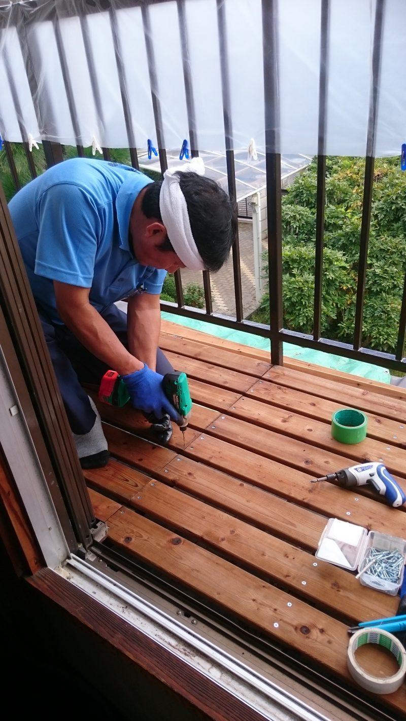 老朽化した床板を新しいものに張替え