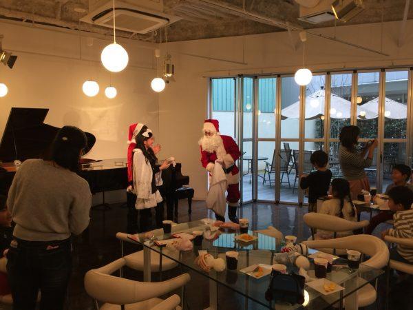 クリスマス会のサンタクロース